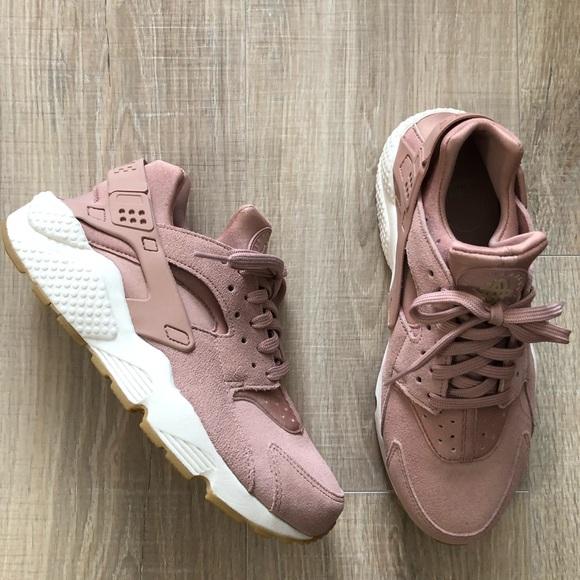 80c5cc0370 Nike Shoes   Womens Air Huarache Run Sd Pink   Poshmark